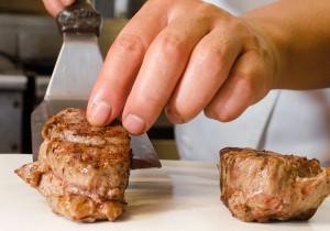 """""""Prime Steak en salsa de tres quesos & capuccino"""" - Restaurant Locanda Paolo, Cancún"""